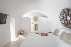 House for Sale in Santorini at Megalochori 38