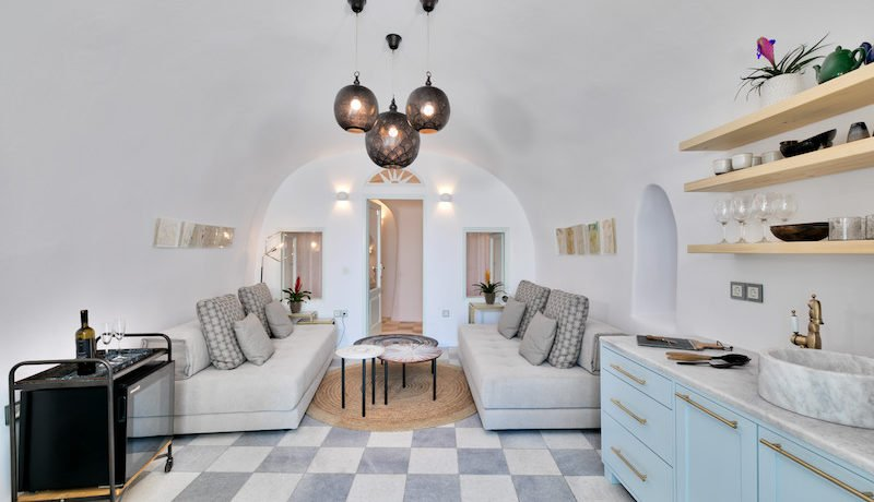 Super Lux Villa in Oia Santorini for Sale 13