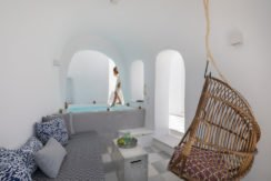 Super Lux Villa in Oia Santorini for Sale 14