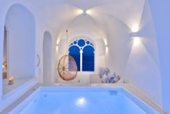 Super Lux Villa in Oia Santorini for Sale 16