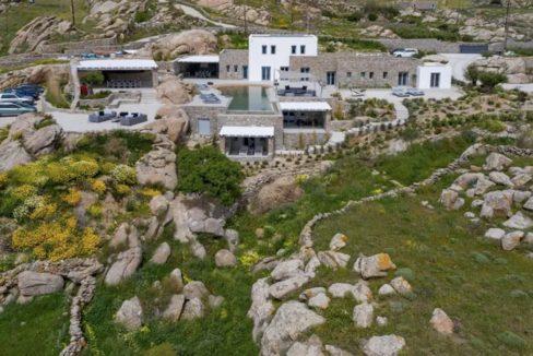 Super Villa at Mykonos, Agrari Beach, Elia. This villa is among the most lavish and exclusive villas in Mykonos 4