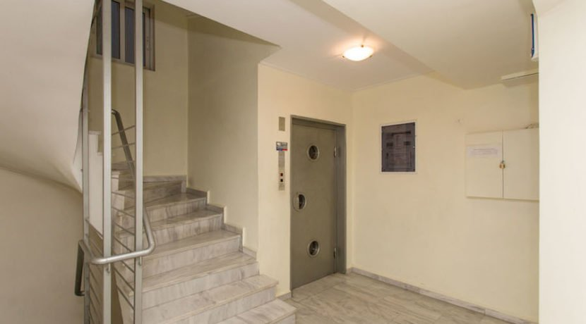 5 minutes from the Sea Apartment in Athens 16