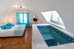 Hotel for sale in Santorini1