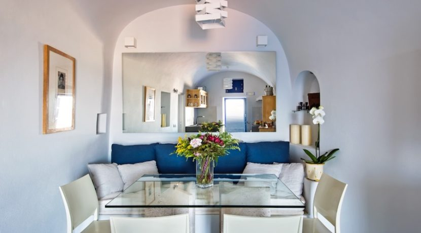 Luxury Cave House at Oia Santorini 15