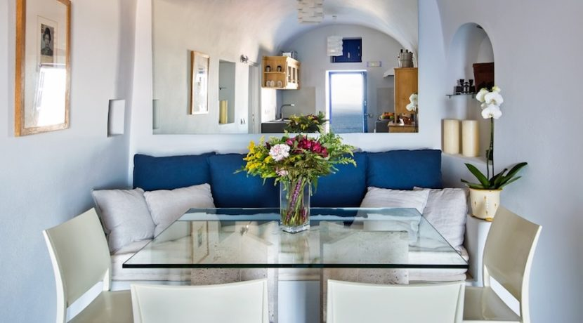 Luxury Cave House at Oia Santorini 16