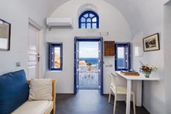 Luxury Cave House at Oia Santorini 18