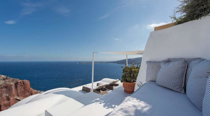 Luxury Cave House at Oia Santorini 22