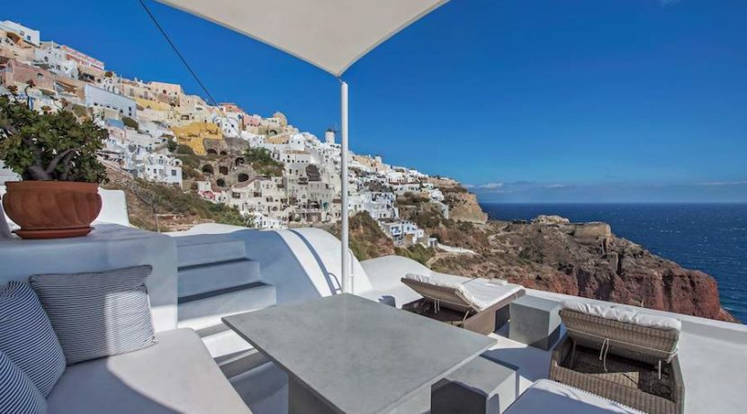 Luxury Cave House at Oia Santorini 24