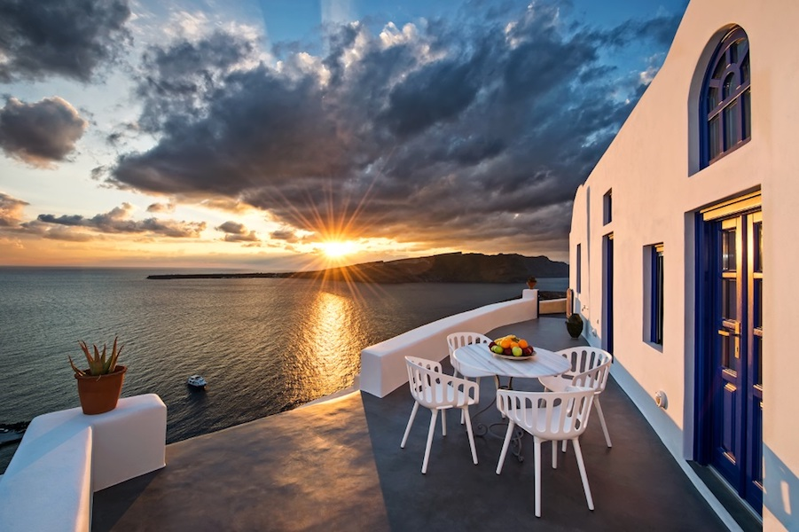 EXCELLENT Luxury Cave House at Oia Santorini