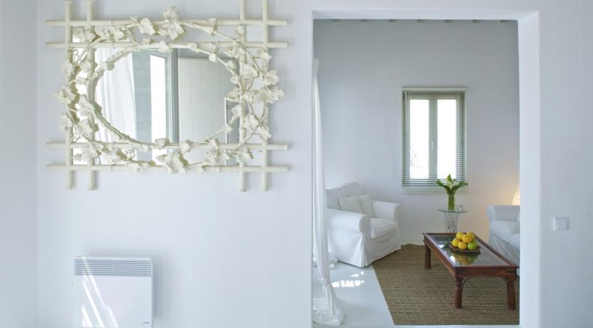 Luxury-Villa-in-Kalafatis-Mykonos-11