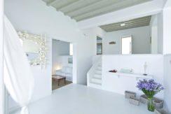 Luxury-Villa-in-Kalafatis-Mykonos-15