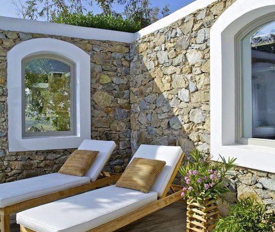 Luxury-Villa-in-Kalafatis-Mykonos-16