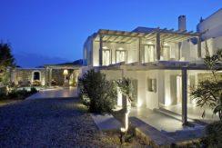 Luxury-Villa-in-Kalafatis-Mykonos-22