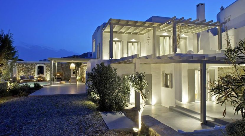 Luxury-Villa-in-Kalafatis-Mykonos-22