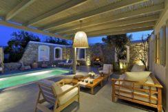 Luxury-Villa-in-Kalafatis-Mykonos-24