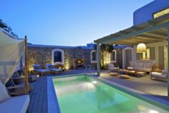 Luxury-Villa-in-Kalafatis-Mykonos-25