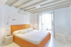 Luxury-Villa-in-Kalafatis-Mykonos-3
