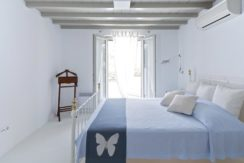 Luxury-Villa-in-Kalafatis-Mykonos-7