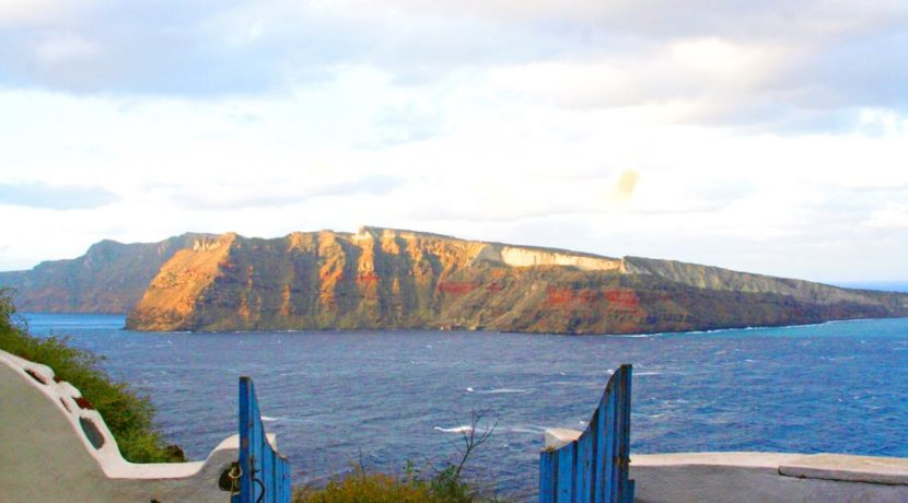 Inestment Opportunity Cave House for Sale in Oia Santorini Greece 14