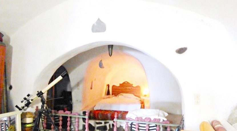Inestment Opportunity Cave House for Sale in Oia Santorini Greece 16