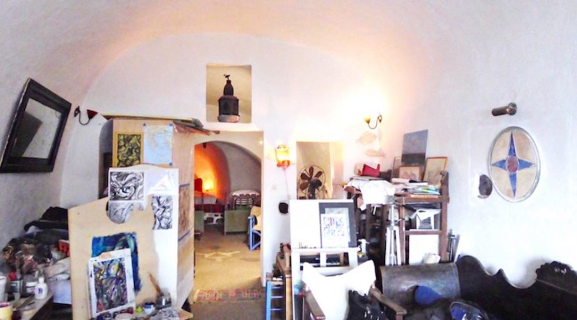 Inestment Opportunity Cave House for Sale in Oia Santorini Greece 17