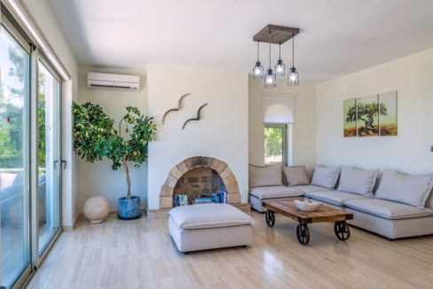 Beach Villa For Sale Crete, Plaka. Villas for sale in Crete, Villa with Sea View in Crete, Plaka Crete, property for sale in Crete Chania 11