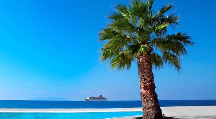 Seafront Property for Hotel in Santorini 4