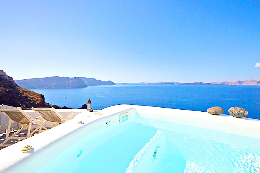 5 Cave suites property at Caldera of Oia  Santorini