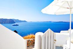 5 Cave suites property at Caldera of Oia Santorini 4