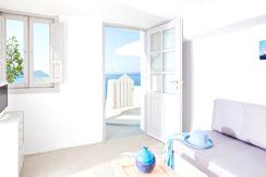 5 Cave suites property at Caldera of Oia Santorini 5