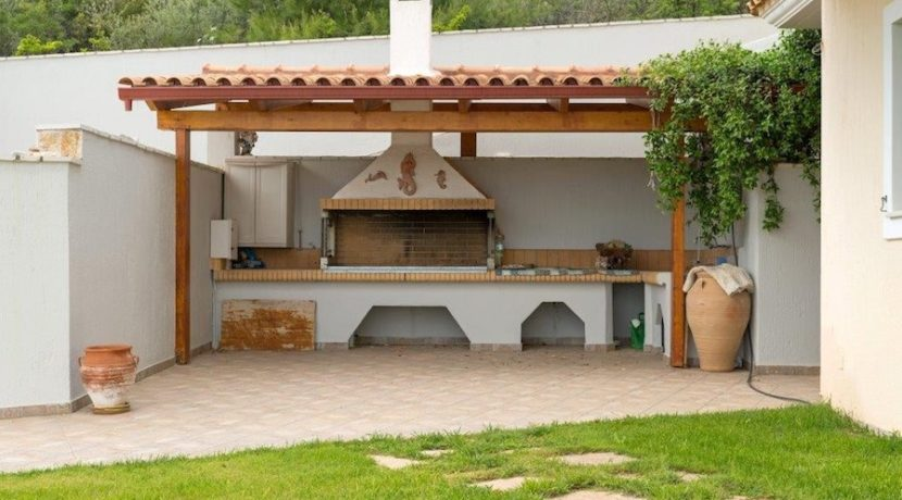 7 bedroom luxury Villa for sale in Theologos, one hour outside Athens .jpg 4