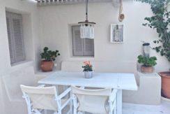 Beautiful Restored Villa in Santorini 1