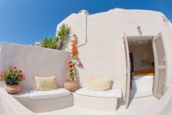 Beautiful Restored Villa in Santorini 10