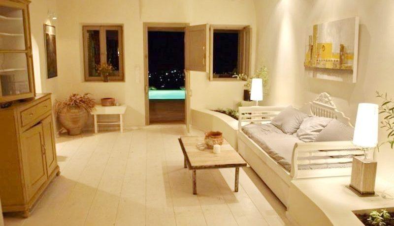 Beautiful Restored Villa in Santorini 14