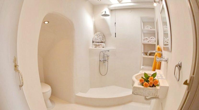 Beautiful Restored Villa in Santorini 3