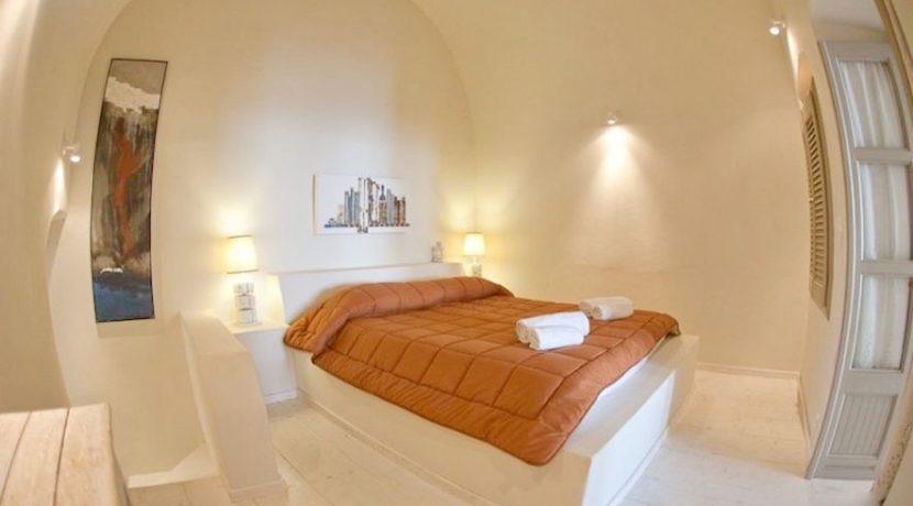 Beautiful Restored Villa in Santorini 5