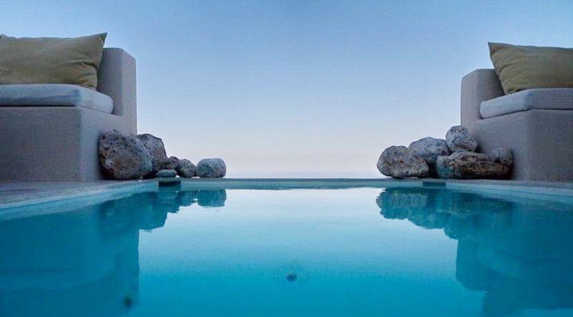 Beautiful Restored Villa in Santorini 8