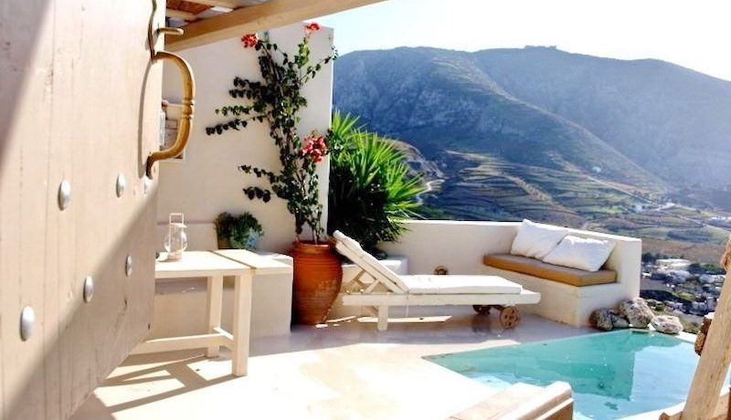Beautiful Restored Villa in Santorini 9