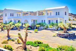 Boutique hotel of 5 Apartments at Finikia of Oia, Santorini 2