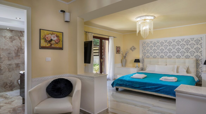 luxury villa crete