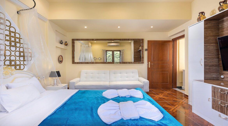 luxury villa with pool crete