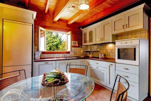 Wooden Luxury villa in Corfu 17