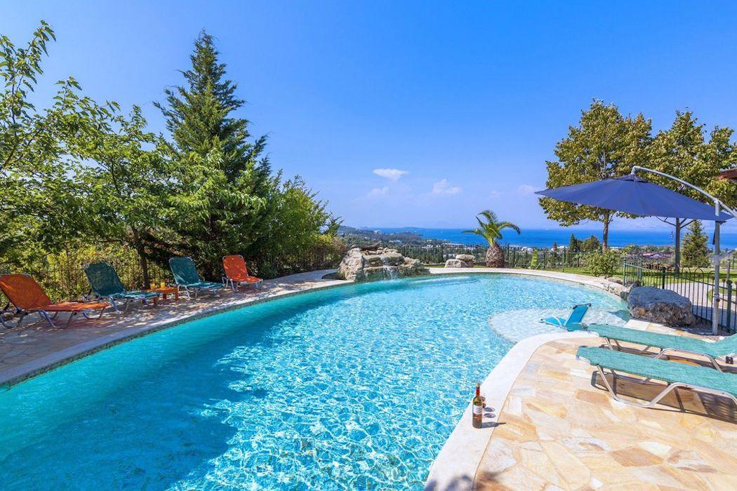Wooden Luxury villa in Corfu