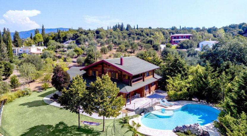 Wooden Luxury villa in Corfu 3