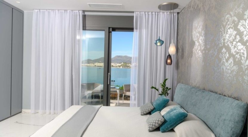 Seafront Luxury Villa 450 m² in Crete, Agios Nikolaos:Amazing location, just in front the amazing sea. Super luxury villas on the sea at Crete 7