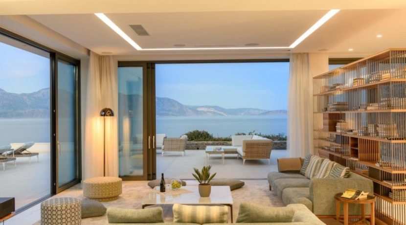 Seafront Luxury Villa 450 m² in Crete, Agios Nikolaos:Amazing location, just in front the amazing sea. Super luxury villas on the sea at Crete 9