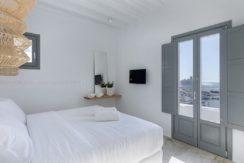 2 Villas at Tourlos Mykonos for sale 27