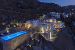 2 Villas at Tourlos Mykonos for sale 32