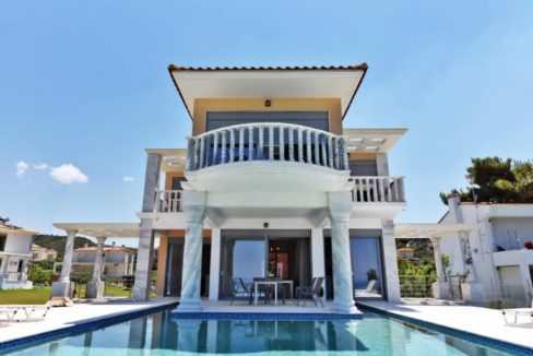Beachfront Villa at Polychrono, Halkidiki 23