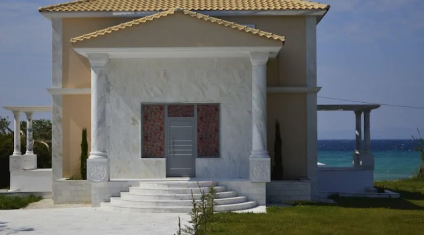 Beachfront-Villa-at-Polychrono-Halkidiki-44